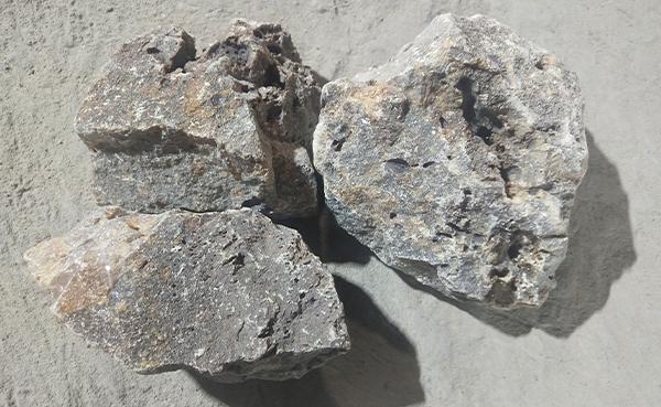 浅析电熔镁砂有哪些主要的特点?